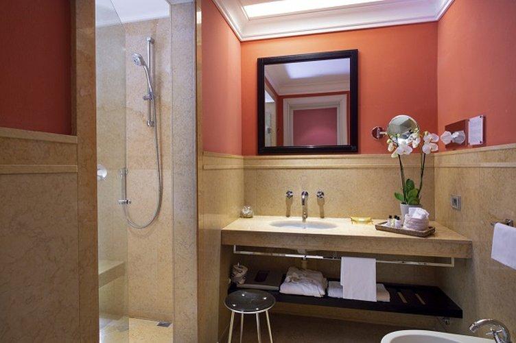 Baño  art hotel novecento bolonia, italia