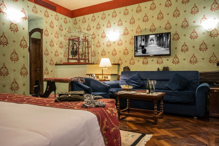 Junior deluxe suite  art hotel commercianti bolonia