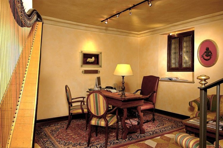 Sala de estar art hotel commercianti bologna