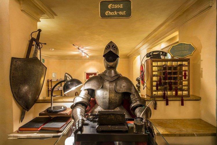Recepción art hotel commercianti bologna