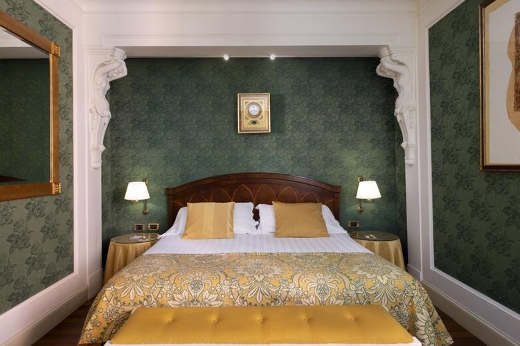 Habitación doble  art hotel orologio bolonia
