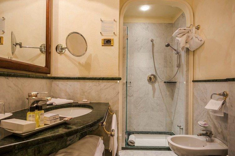 Habitación doble  art hotel commercianti bolonia