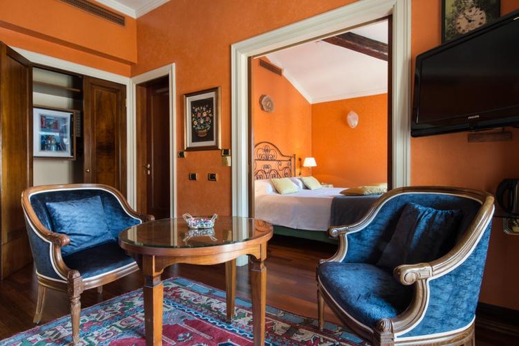 Suite  art hotel orologio bolonia