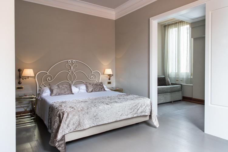 Habitación deluxe  art hotel orologio bolonia