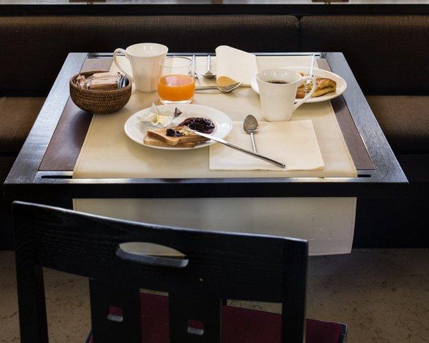 Desayuno  art hotel novecento bolonia, italia
