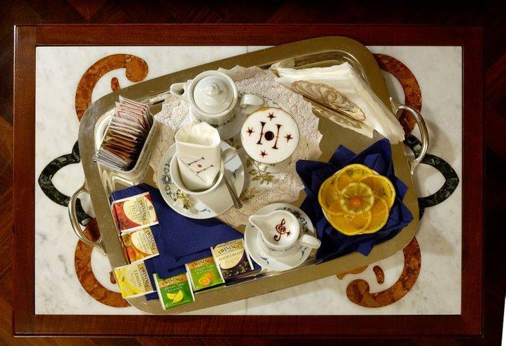 Desayuno art hotel commercianti bologna